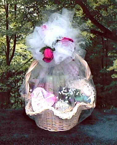 Wedding Themed Gift Basket : ... Disturb Honeymoon Gift Basket This wedding gift offers the honeymoon